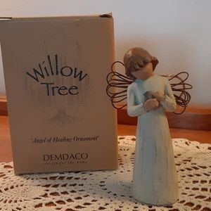 Willow tree figurine  angel of healing with box